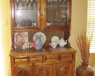 China Hutch,  Pieces do Separate