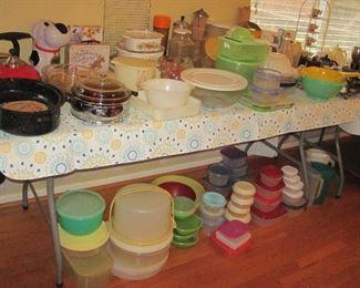 Misc Kitchen Items, Tupperware, Bakeware, Bowl Sets, Pirchers, Cookie Jars & Cutters