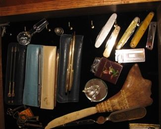 Vintage pens, vintage pocket knives, vintage lighters
