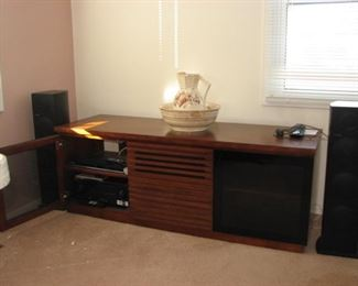 Stereo cabinet, stereo components