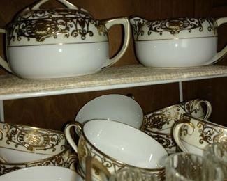 Beautiful set of Noritake china
