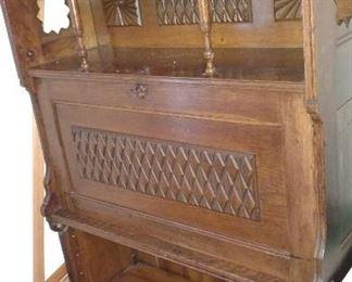 Beutiful antique chest