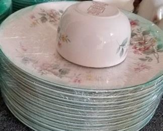 Complete large set of Vintage Hall China