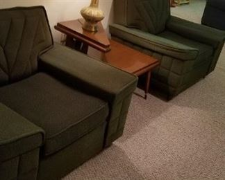 Pair of modern 1964 chairs with original fabric like new
