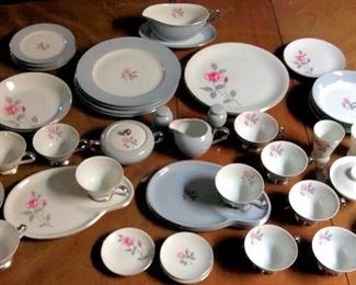 HMT028 Fine China by De Ville Japan Dinnerware