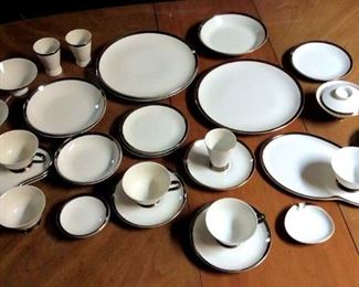 HMT030 More Fine China by De Ville Dinnerware