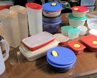 HMT064 Kitchen Containers Mystery Lot