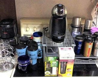 HMT066 Coffee Makers, Storage and Mugs