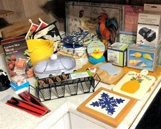 HMT068 Various Kitchenware