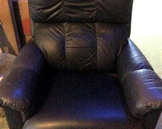 HMT082 Black Leather Recliner