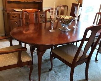 Harden cherry table w/6 chairs