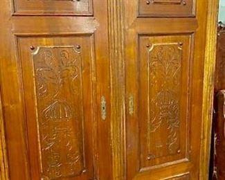 Stunning Two Panel Room Divider https://ctbids.com/#!/description/share/257275