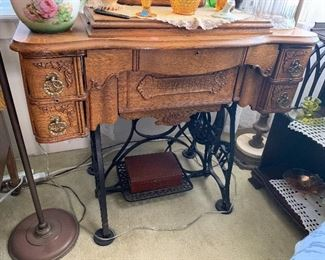Antique New Home sewing machine, perfect condition