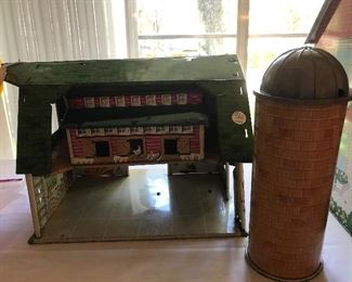 VINTAGE MARX FARMHOUSE WITH SILO, CHICKEN COOP AND ALL ANIMALS