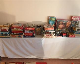 VINTAGE GAMES AND ELECTRONIC GAMES FROM THE PAST IN GREAT CONDITION