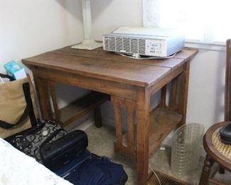 Mission Oak library desk/table