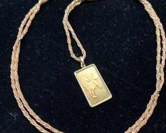 061 18k Gold Chain  Pendant