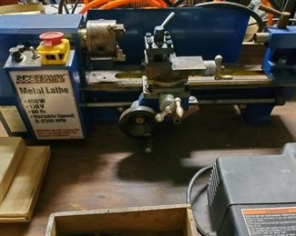 SPEEDWAY SERIES 2500 RPM 400 WATT METAL LATHE