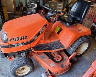 KUBOTA G1900  MOWER (RUNNING CONDITION)....$1650 OR BEST OFFER