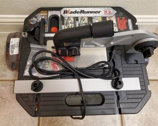 ROCKWELL BLADE RUNNER X2 CUTTING MACHINE