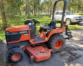 KUBOTA BX2200 $6500 CASH OR BEST OFFER....GOOD RUNNING CONDITION
