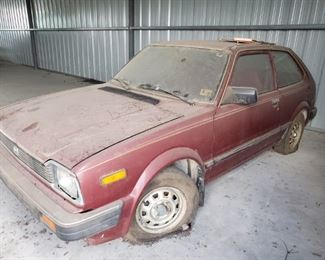 """1983 HONDA CIVIC ( A REAL CLASSIC WHEN REHABED)...BEING SOLD """"AS IS"""".....BY APPOINTMENT ONLY....$1000 or BEST OFFER"""