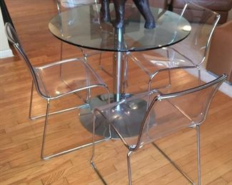 Calligaris kitchen table and chairs (made in Italy)