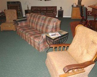 Country Style Thomasville Sleeper Sofa, Pair La-Z-Boy Recliner Rockers