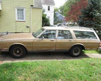 '86 Buick Electra Estate Wagon 150,000 miles  Runs great!