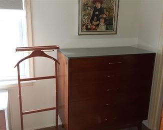 Men's dressing Butler and chest of drawers