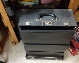 Portable jewelry transportation chest