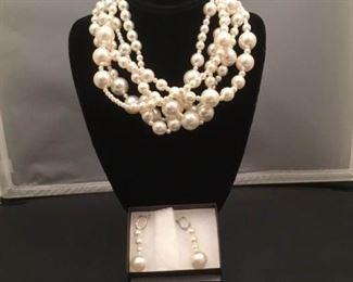 Perle Di Venezia Necklace and Earring Set