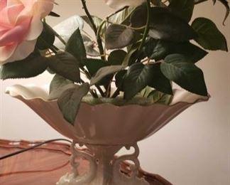 0043 Main Building Living Room Silk Roses in dish profile