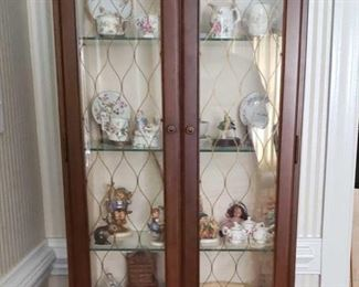 0567 Main Building Hall Downstairs Curio Cabinet Top profile