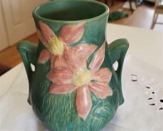 0664 Main Building Kitchen Vase profile