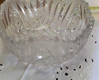 0694 Main Building Kitchen Crystal bowl profile