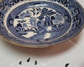 1153 Main Building Kitchen Blue willow plate profile