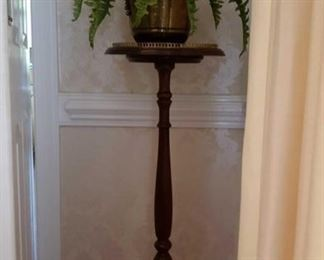 1567 Main Building Dining Room Plant Stand profile