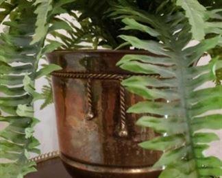 1570 Main Building Dining Room Brass Flower vase profile