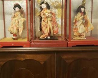 2123 Main Building Sitting Room Geisha Dolls profile