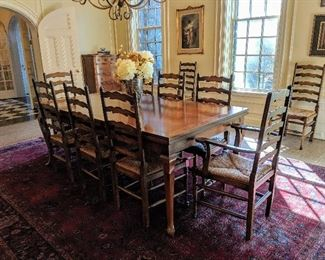 Gorgeous dining table 10 chairs and two built in hidden leaves