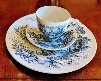 Wedgewood Countryside tea cup and saucers set
