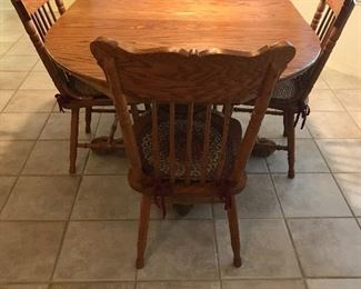 Oak country kitchen table 60 long 42 wide by 30 tall as shown with leaf inserted