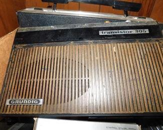 Grundig Transistor 305 Radio