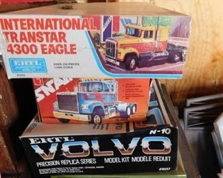 Several Tractor and Trailer Model Kits(Unbuilt and Partial Builds)