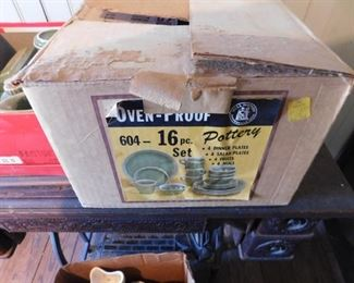 Green Hull Oven-Proof Pottery Set in Original Box