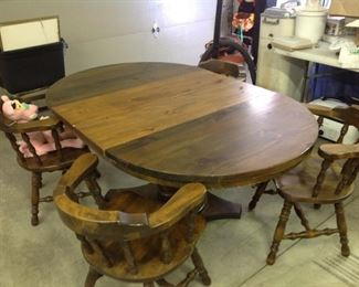 Pine pedestal base table with chairs