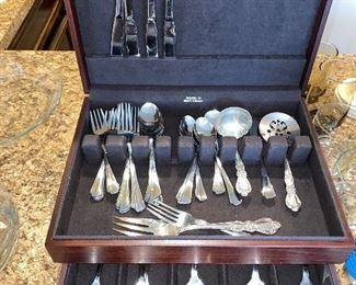 VINTAGE SET OF STAINLESS FLATWARE