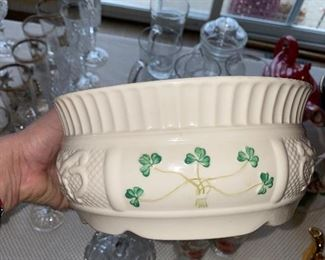 BELLEEK SHAMROCK LARGE NADINE FRUIT BOWL