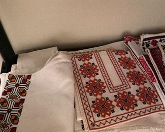 TRADITIONAL UKRAINIAN LINENS